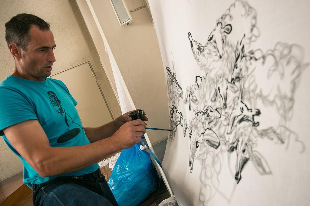Thomas Putze bei der Arbeit. Foto: Josh v. Staudach